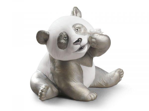 Lladro A Happy Panda (Re-Deco) 01009092