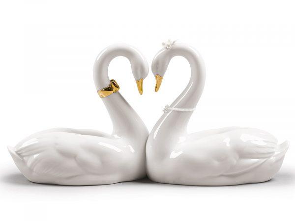 Lladro Endless Love (Golden Re-Deco) 01009304