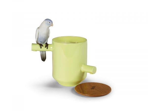 Lladro Porcelain Parrot's Scented Treasure 01040150