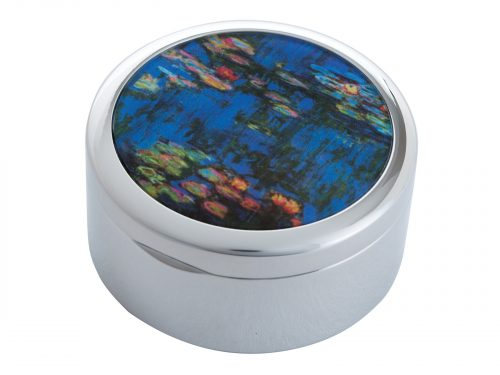 Water Lillies is a series of approximately 250 oil paintings created by French Impressionist Claude Monet, the paintings depict Monet's Home Garden in Giverny, France. This beautifully crafted pocket mirror by John Beswick features a stunning extract of one of Monet's Water Lilly paintings.
