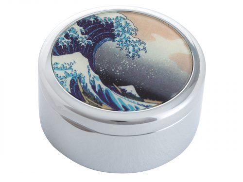 "This beautifully crafted Pillbox by John Beswick comes with a stunning extract from Hokasai's ""The Great Wave of Kanagawa"". It is a woodblock print by the Japanese ukiyo-e artist Hokusai, published sometime between 1829 and 1833 in the late Edo period as the first print in Hokusai's series Thirty-six Views of Mount Fuji. Size: Diameter: 5 cm - 2"" By John Beswick Product Code: P09HOK(S)"