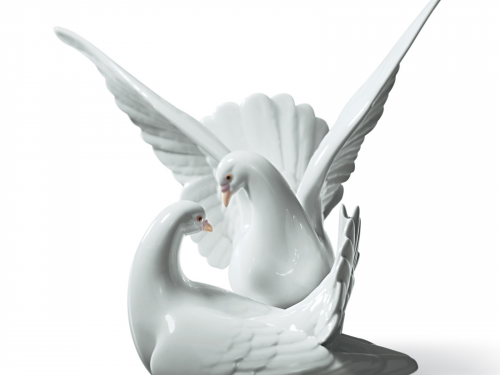 Porcelain Anniversary Gifts Collection
