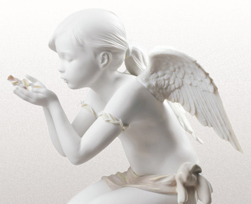 Click here to see our Lladro Catalogue