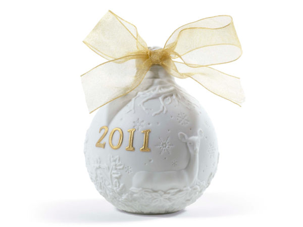 Lladro 2011 christmas collectible in white and gold